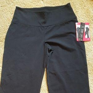 Pants - Women's NWT capris